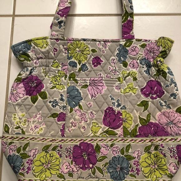 992d0fe21729 EUC Vera Bradley Laura cinch tote in Watercolor.  M 5b71f94f3e0caad4566c3d2a. Other Bags ...